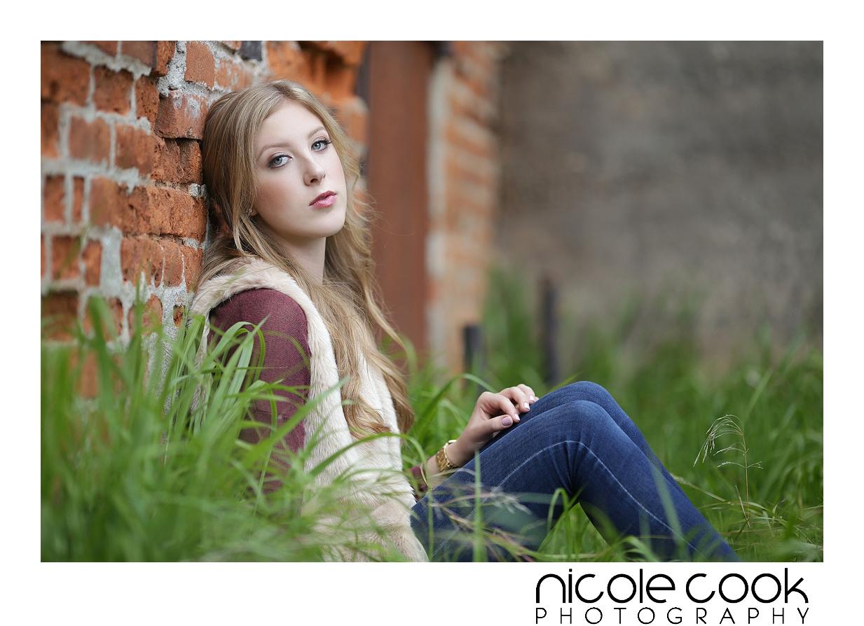 del-oro-high-school-senior-portraits_0187.jpg