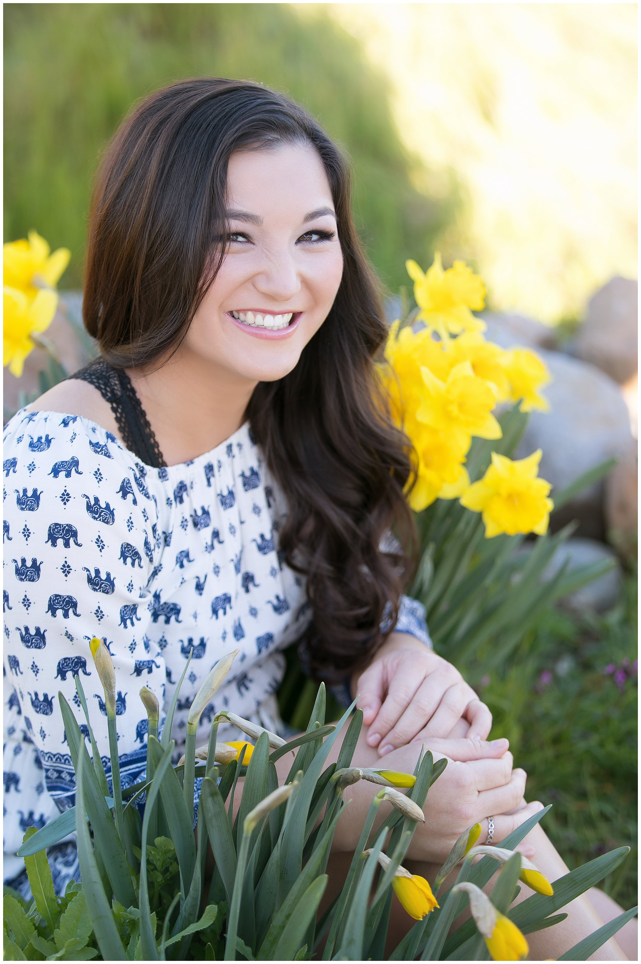 Spring-senior-portraits-flowers_0223.jpg